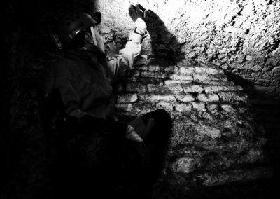 Milano, aprile 2017 - Momenti dell'esplorazione di un antico ossario sotto la basilica di San Simpliciano