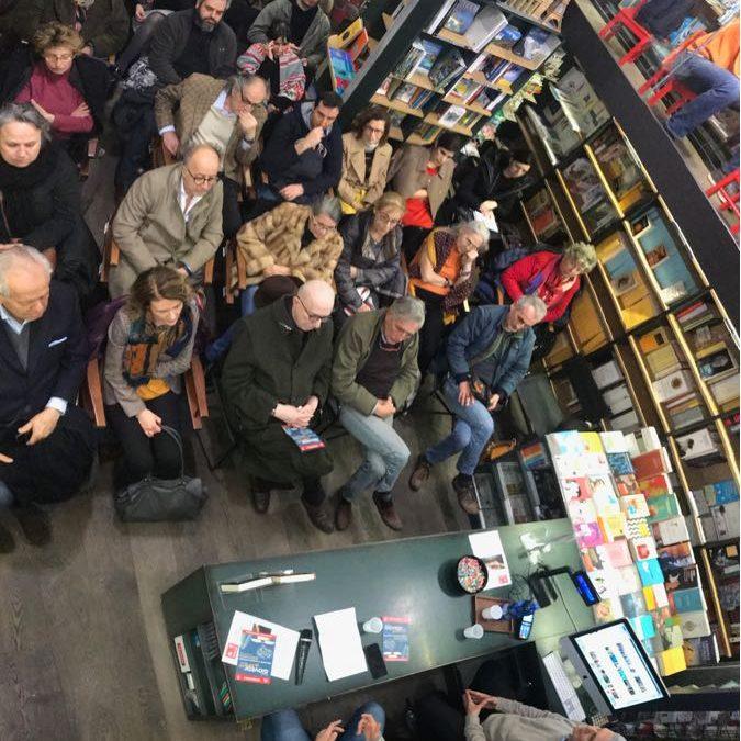 Sosteniamo le librerie indipendenti…