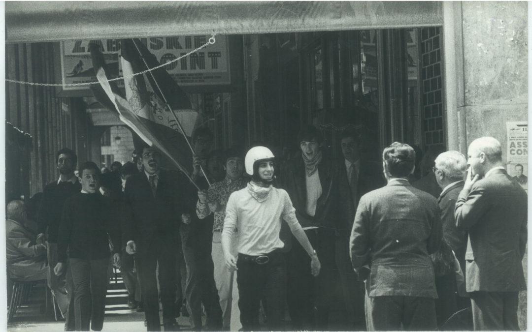 Accadde Domani. 11 ottobre 1971. I neofascisti della Fenice si scontrano davanti alal liceo Manzoni di Milano con militanti dell'estrema sinistra